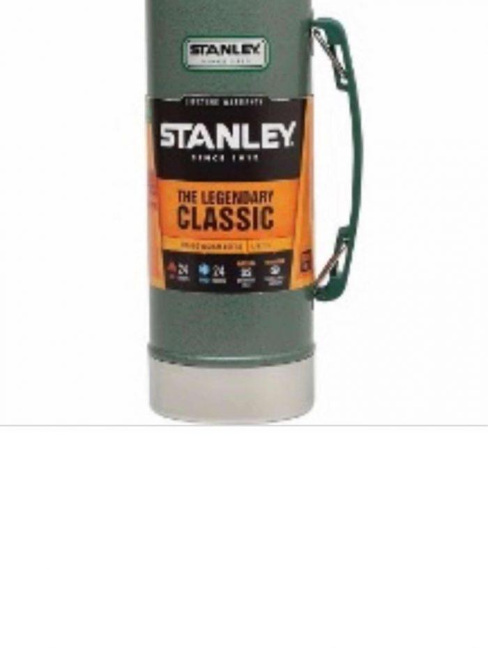 Termo Clásico 1 litro tapón cebador color Verde Stanley