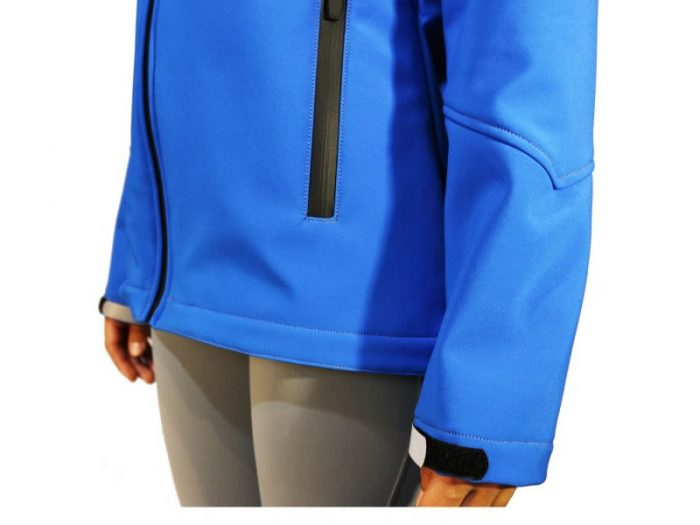 Campera Thermoskin Softshell mujer con capucha Talle M
